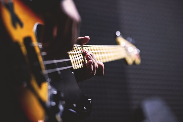 e83db50e29fc073ed1584d05fb1d4390e277e2c818b4124697f6c77fa6e9 640 - Learn How To Play Guitar Quickly Today