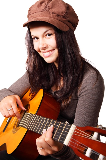 eb35b4082fe90021d85a5854e34a4796e36ae3d01db5194697f5c770 640 - Simple Tips For Learning To Play The Guitar